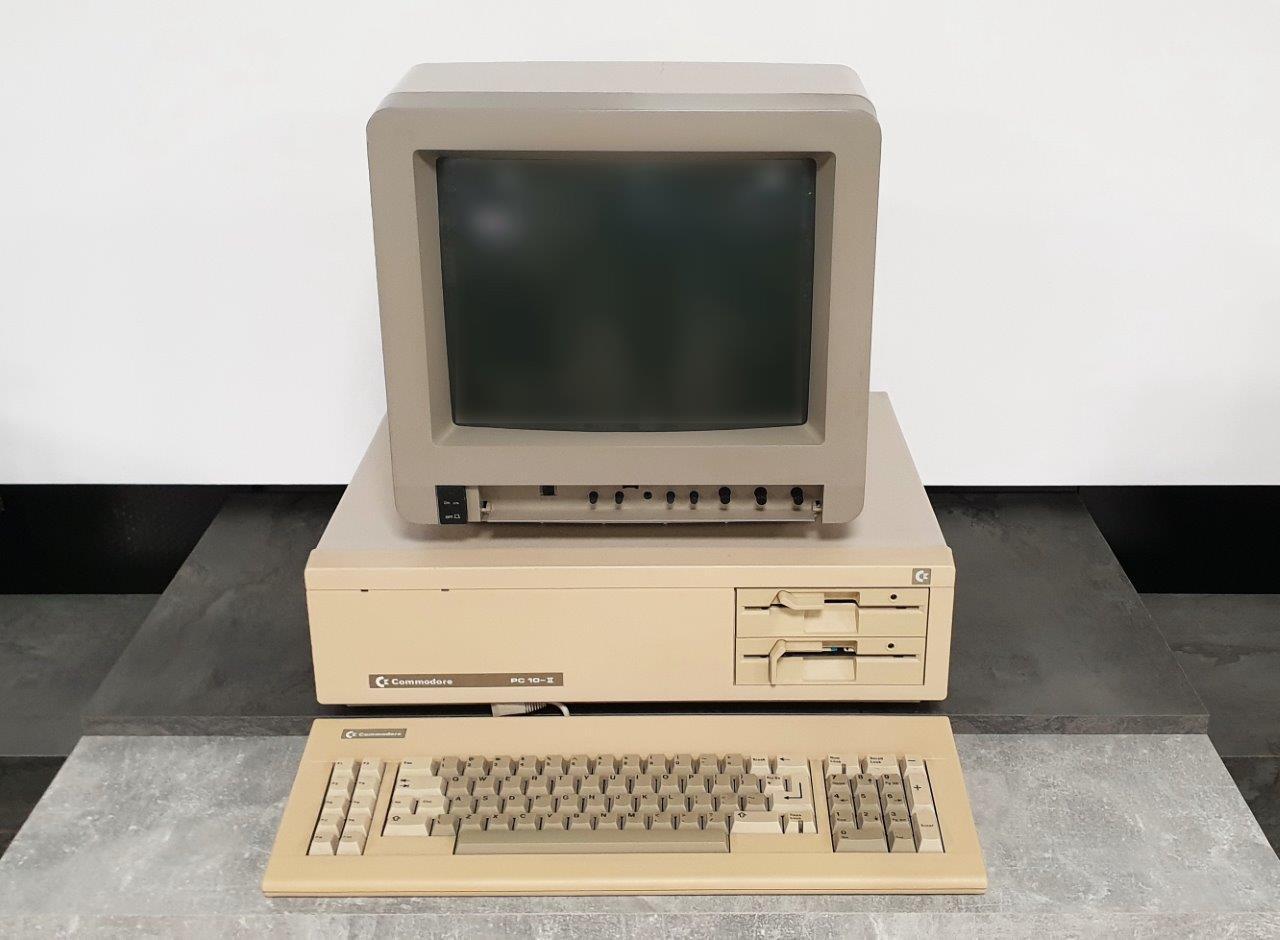 Commodore-10-II_1280
