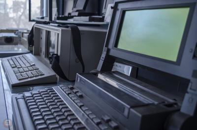 Wang Laptop με ενσωματομένο εκτυπωτή κουκίδων (dot matrix).